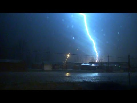 2-28-17 Bald Knob, Arkansas Tornadic Storm -- CG Bolt Explosion