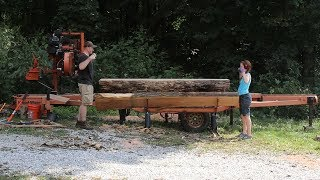 Husband and Wife sawing thick Red Oak Slabs... Wife gets hurt! Wood-Mizer Sawmill