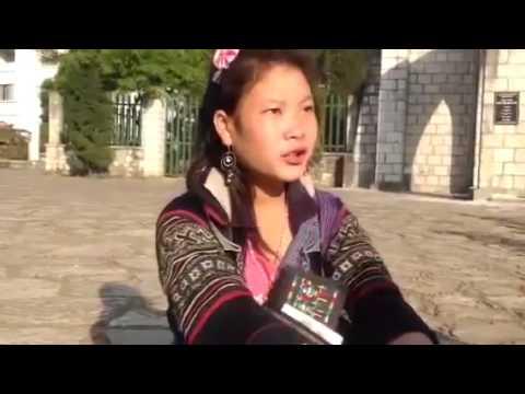 Dân mạng bái phục cô gái Mông ở Sa Pa nói tiếng Anh siêu giỏi