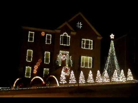 Christmas Lights dancing to Music Box Dancer in Nashville, TN