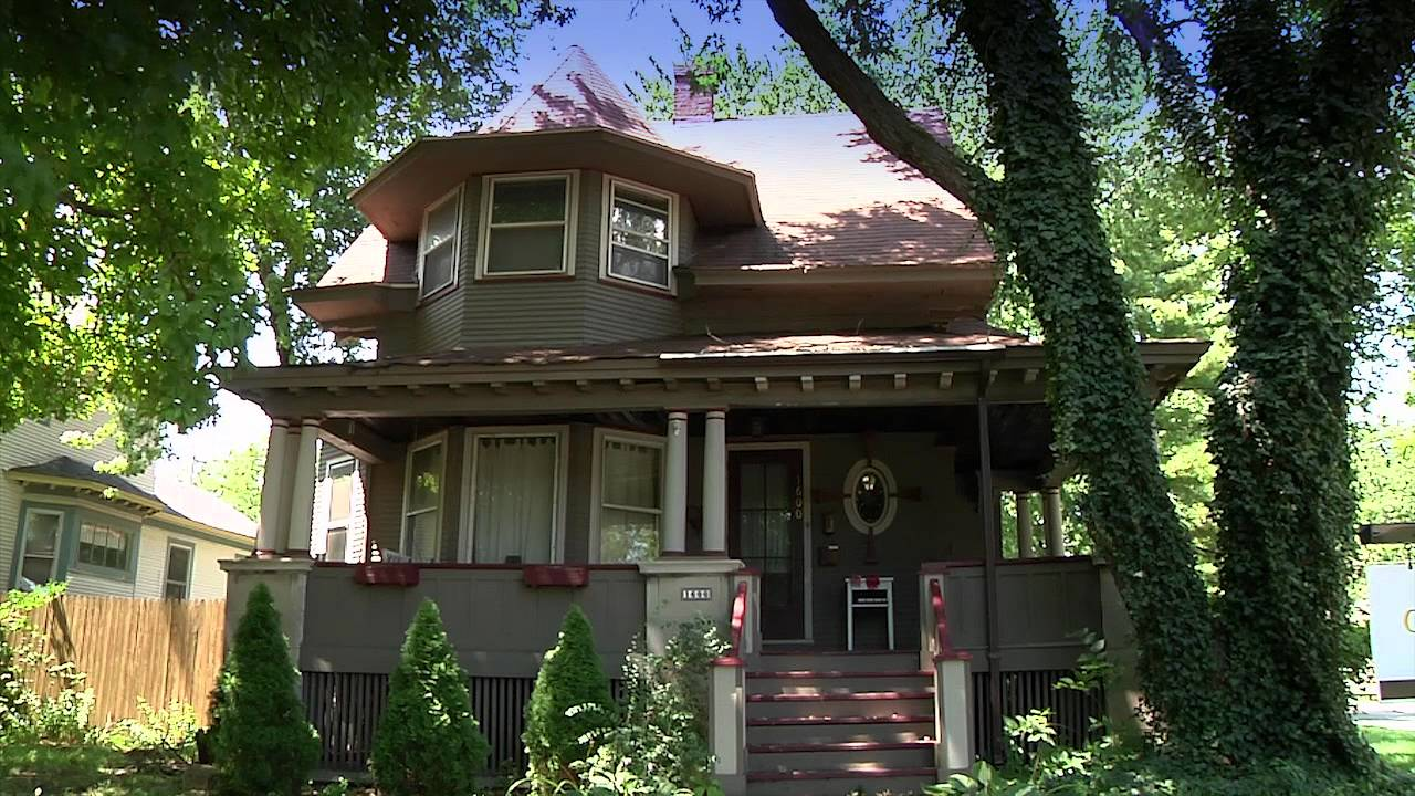 The historic homes of maywood youtube for Victorian colonial homes
