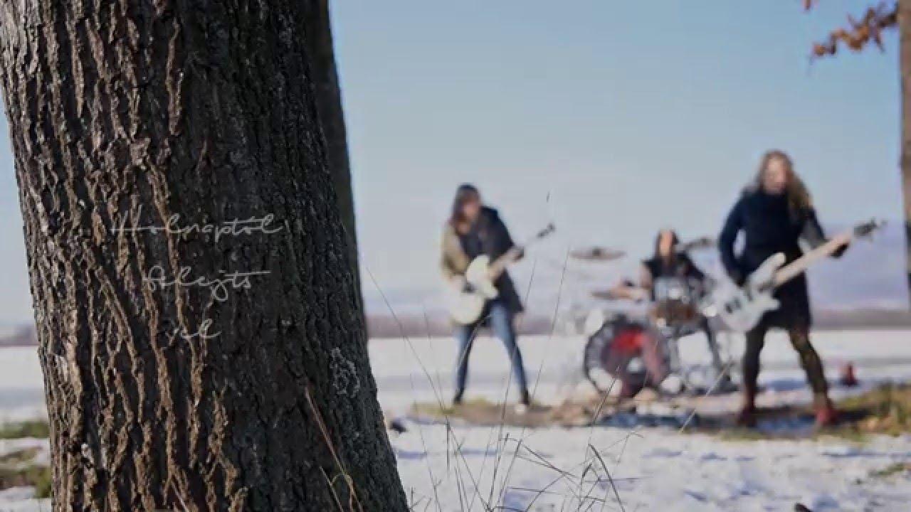 dorothy-holnaptol-official-lyric-video-dorothy-zenekar