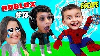ROBLOX ESCAPE DO SPIDERMAN (Roblox Escape Spiderman Obby) Family Plays
