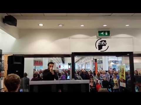 Jim The king Brown Whole Lotta Rosie [Live 'in-store' performance @ Head Music, Belfast]