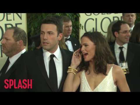 Divorcing Ben Affleck and Jennifer Garner Vacation in the Bahamas   Splash News TV