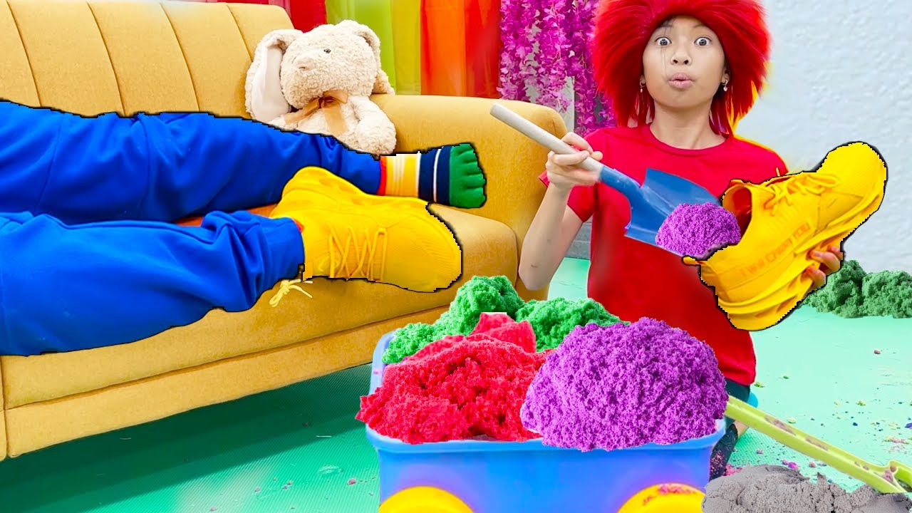 Wendy Pretend Play Turning Things into Sand with Colorful Kinetic Sand Toys for Kids