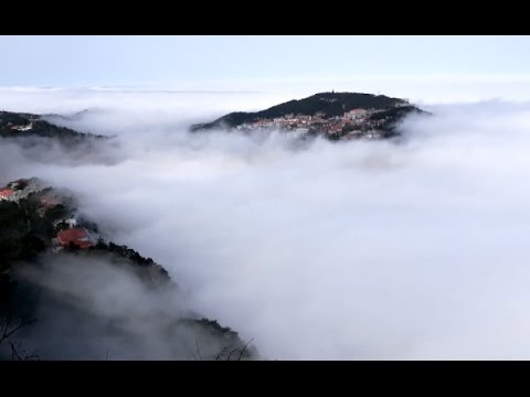 East China's Lushan Mountain Offers Spectacular Scenes of Sea of Clouds