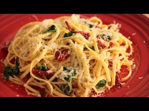 Spinach Linguine W/ Sun Dried Tomatoes Recipe || KIN EATS