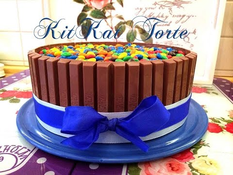 kitkat-torte-candy-cake