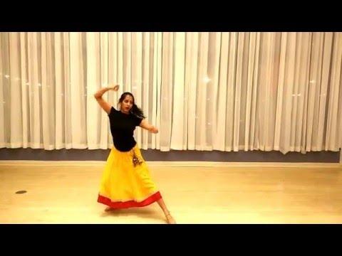 Radha Kaise Na Jale Dance