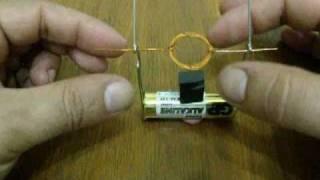 Простой самодельный электромотор (Simple homemade electric motor)