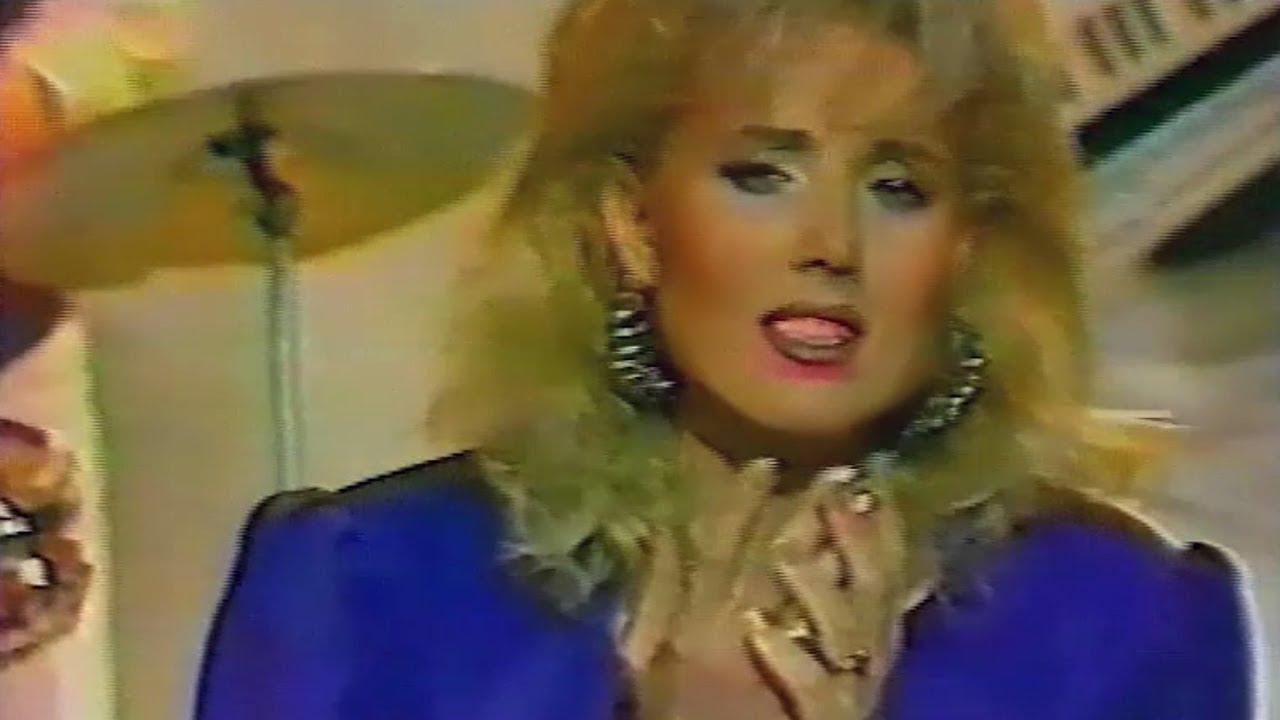Lepa Brena - Cetiri godine - (TV NS 1989)