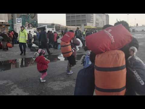 ΑΘΗΝΑ: ΑΦΙΞΗ ΣΤΟ ΛΙΜΑΝΙ ΠΕΙΡΑΙΑ / ATHENS: ARRIVAL AT PIRAEUS PORT (2015-16) #8