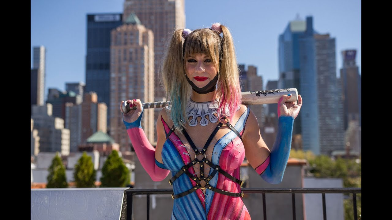 New York Comic Con Special.   Harley Quinn Body Painting