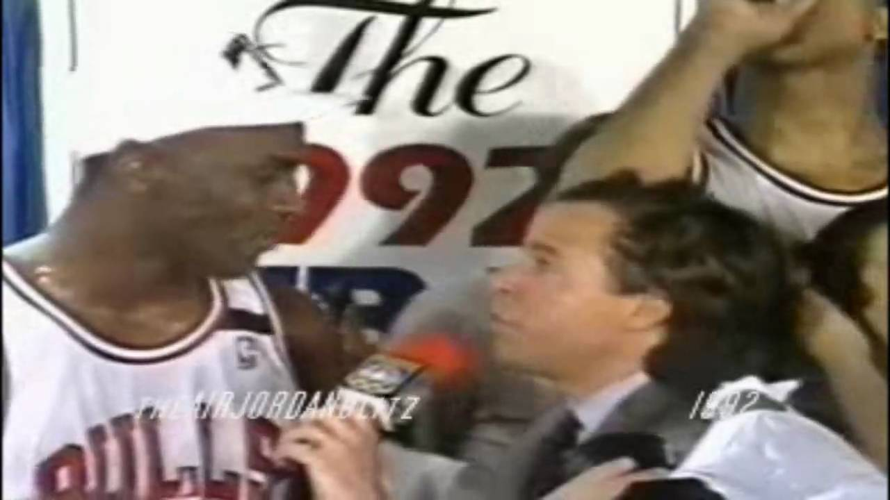 Michael Jordan takes over the 1992 NBA Finals game 6 in the clutch to win his 2nd chip - YouTube