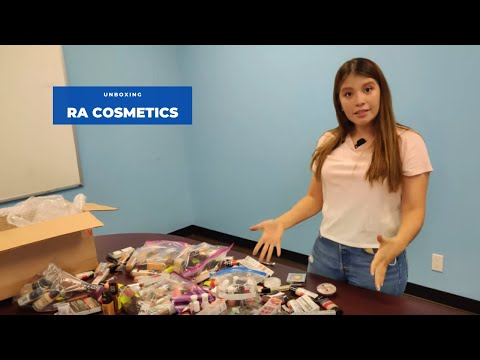 Unboxing: RA Assorted Cosmetic Case (English)