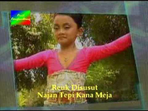 "Jaipong Dance ""pucuk Cemara"" Java West Indonesia"