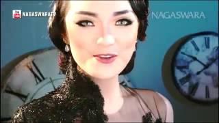 Gambar cover Zaskia Gotik   Tarik Selimut   Official Music Video HD   Nagaswara   YouTube