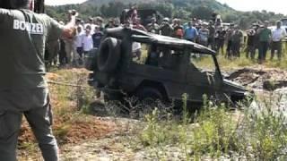 Militärfahrzeugtreffen Saarlouis, Bergung Mercedes G aus dem Wasserloch