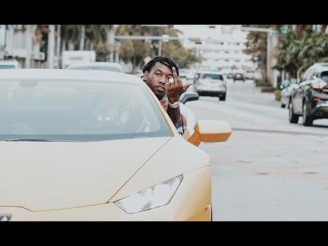 Offset Quot Almost Crashes His Lamborghini Flexing With Cardi