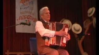 Folk march by Pijus Damušis. Harmonika player competition Gelgaudiškio armonika 2009