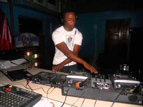 DJ KELLY AZONTO PARTY MIX 2013