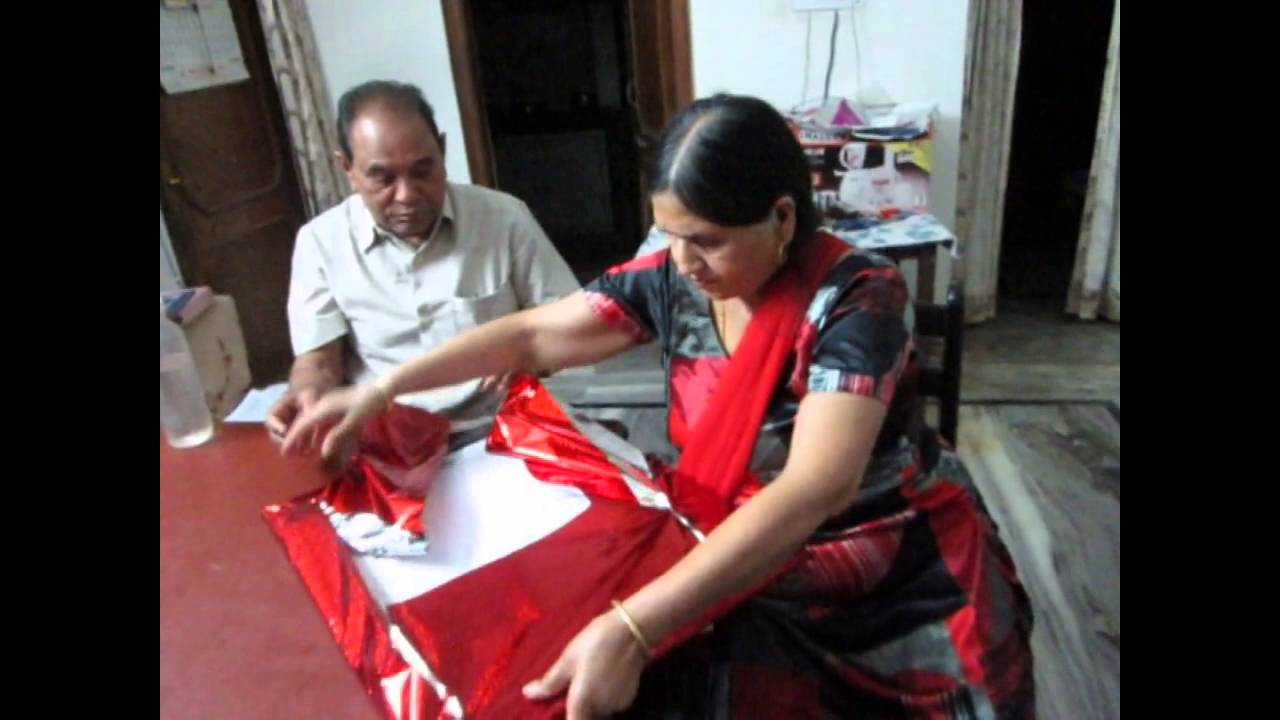Best Gift For Parents 25th Wedding Anniversary India : Wedding anniversary gift to mom dadYouTube