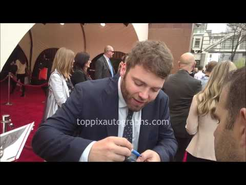 Seth Gabel  SIGNING AUTOGRAPHS while ting in NYC