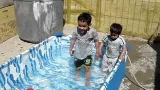 Download Video Los mejores imitadores de autos (en el agua) MP3 3GP MP4