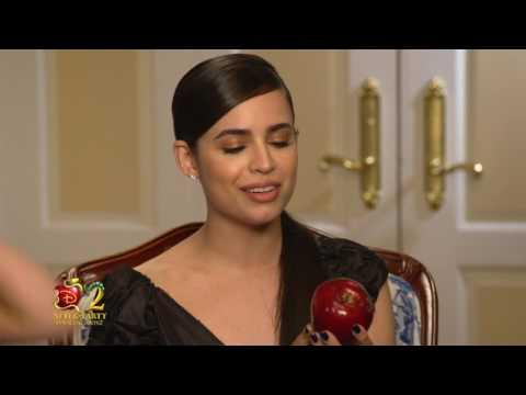 Sofia Carson answers fan questions about Descendants 2