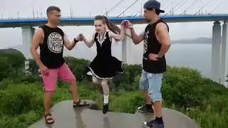 Музыка видео приколы девочка
