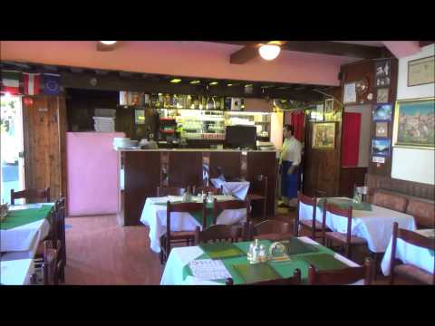 Best pizza Wien pizzeria near Schönbrunn at TMW eating out where to eat well dish meal menu inn pub