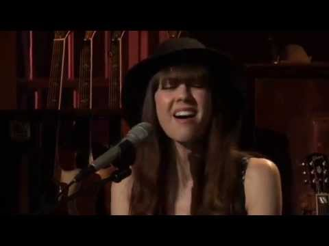 "Diane Birch ""Fools"" with Daryl Hall(with Diane's vocal improv horn solo intro)"