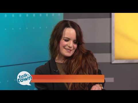 """Actress & Author Jenna von Oy New Book """"Situation Momedy"""""""