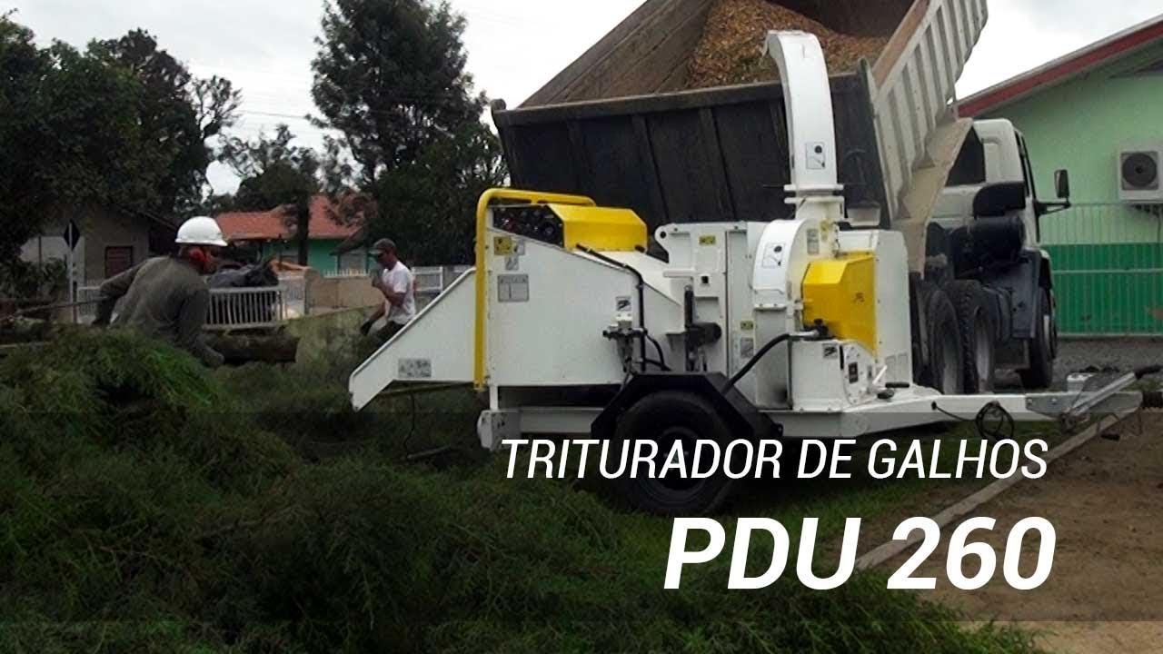 Triturador de galhos PDU 260 D utilizado na limpeza de podas urbanas - Lippel