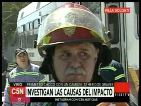 C5N - Transito: El premetro choco a un camion en Villa Soldati (Parte 3)