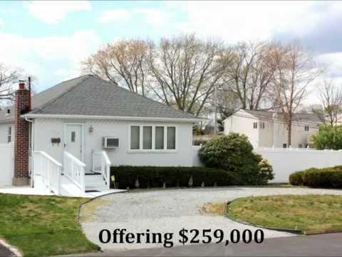 Lindenhurst NY Homes For Sale - 3 Bedroom Ranch