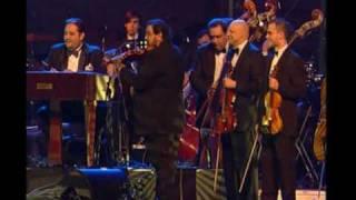 Video Zoltán Mága & Budapest Gypsy Band:  - Pacsirta (Dinicu) download MP3, 3GP, MP4, WEBM, AVI, FLV Januari 2018