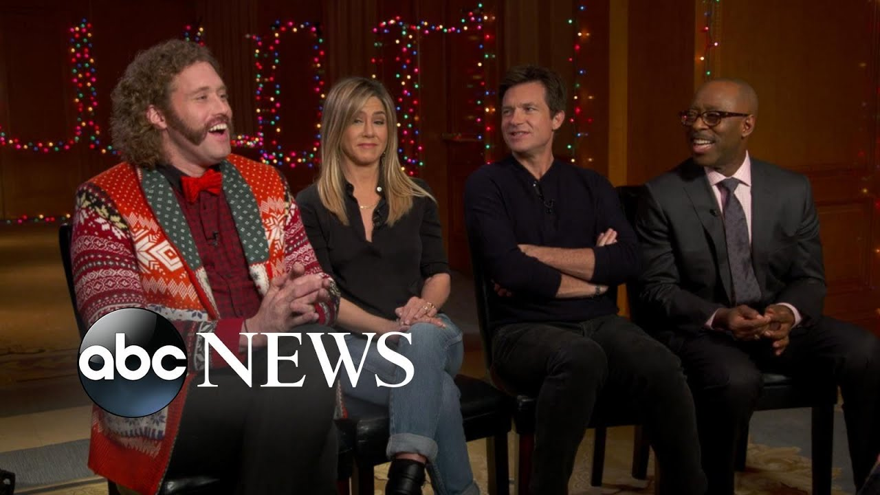 Office Christmas Party | Full Cast Interview with Jennifer Aniston ...