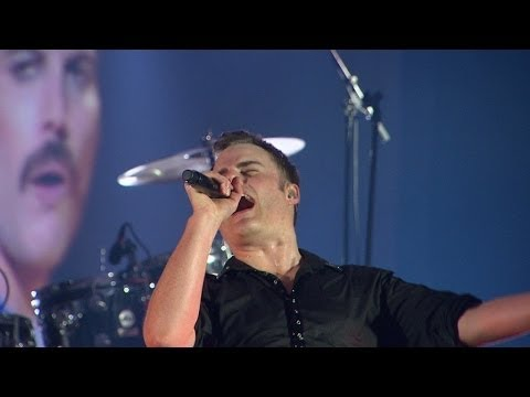 The Queen Extravaganza - The Show Must Go On (Live at Montreux 2016)