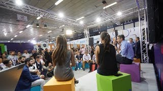 Συζήτηση Κυριάκου Μητσοτάκη με startuppers στο περίπτερο της Digital Greece στην 83η ΔΕΘ