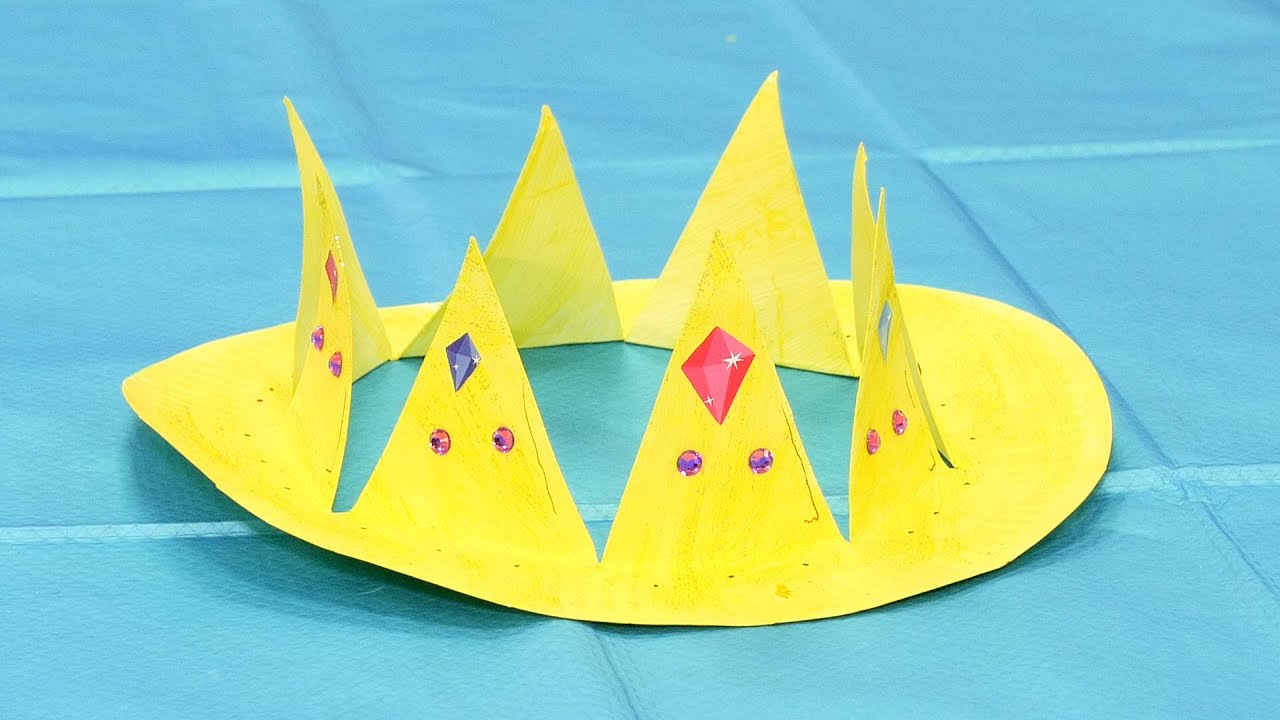 Playtime crafts paper plate crown youtube for Art and craft crown
