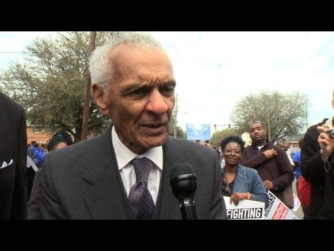 Civil Rights Icon C. T. Vivian on Nonviolence & Hypocrisy of U.S. Promoting Democracy Abroad