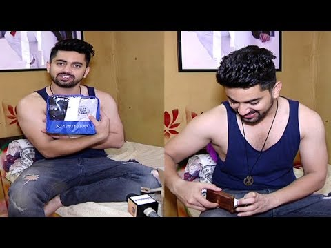 Zain Imam Receives Gifts From His Fans | Gift Segment