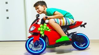 alnn-srprz-motor-surprise-toy-unboxing-power-wheels-12-v-ride-on-toy-sportbike