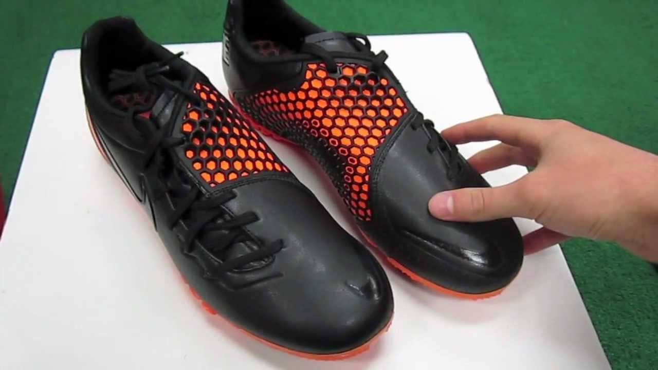 The nike ctr360 is a line of football shoes manufactured by nike. Contents. [ hide]. 1 ctr360 maestri history; 2 ctr360 maestri ii; 3 elite series.