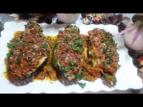 délicieux-barque-d'aubergines-farcies-aux-légumes-et-gratinée-au-four
