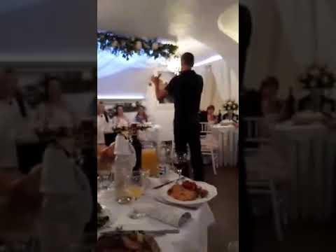 На свадьбе у племянници. Тост,поздравляю!