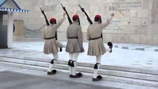 АРМИЯ ПРИКОЛ Смена караула в Греции