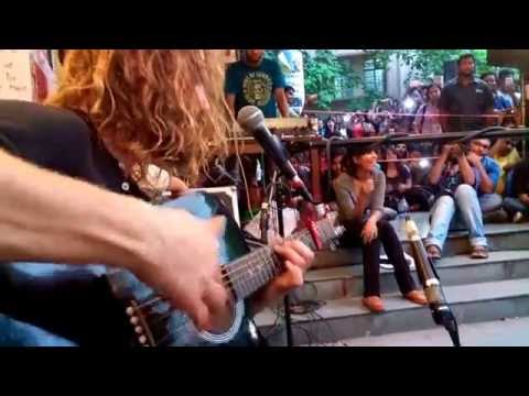 John Butler Plays 'Ocean' on a 6 String Live at Jadavpur University Worldview, Kolkata.